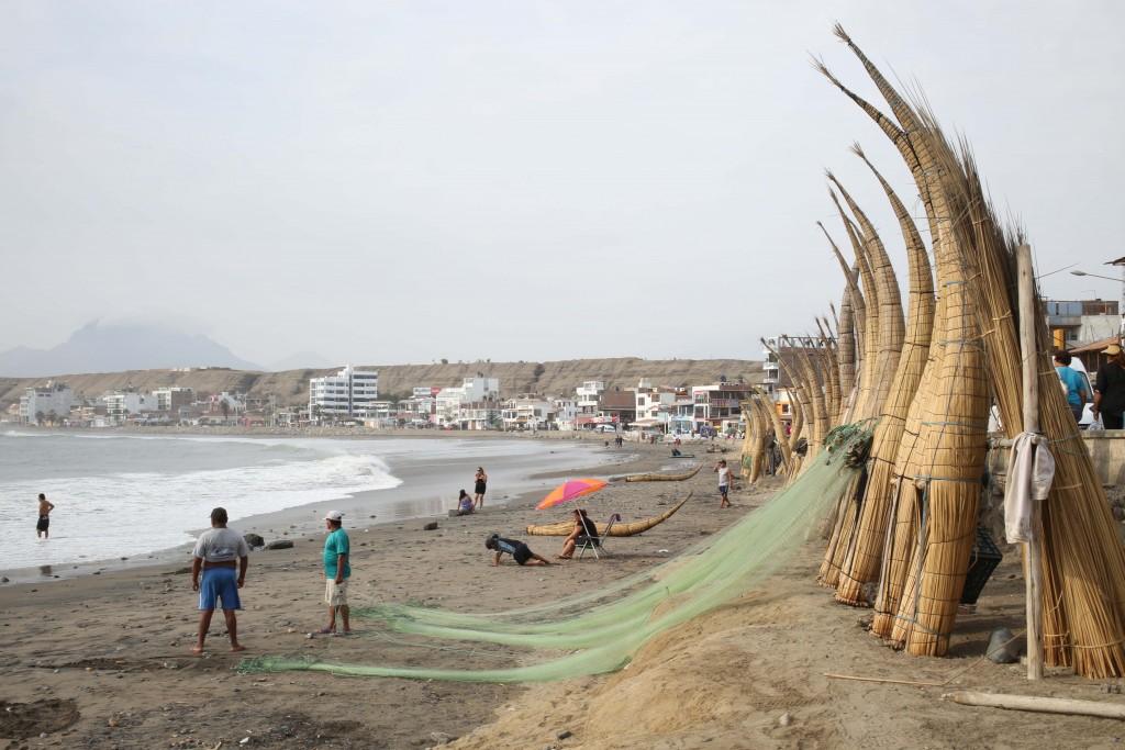 Les Amérindiens auraient emprunté des embarcations comme celles-ci pour traverser l'océan Pacifique